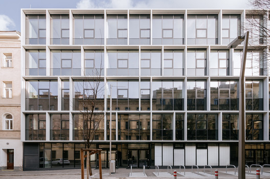 Vocational School Embelgasse: An Open School of Administration / AllesWirdGut Architektur