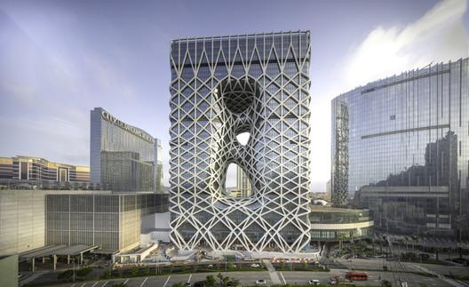 Morpheus Hotel / Zaha Hadid Architects. Image © Ivan Dupont
