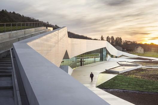 Lascaux IV / Snøhetta + Duncan Lewis Scape Architecture. Image © Boegly + Grazia photographers