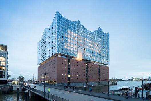 Elbphilharmonie Hamburg / Herzog & de Meuron. Image © Iwan Baan