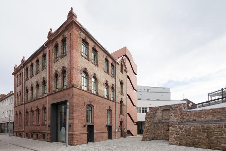 Museo Tonofenfabrik Lahr / Heneghan Peng Architects, © Thomas Bruns