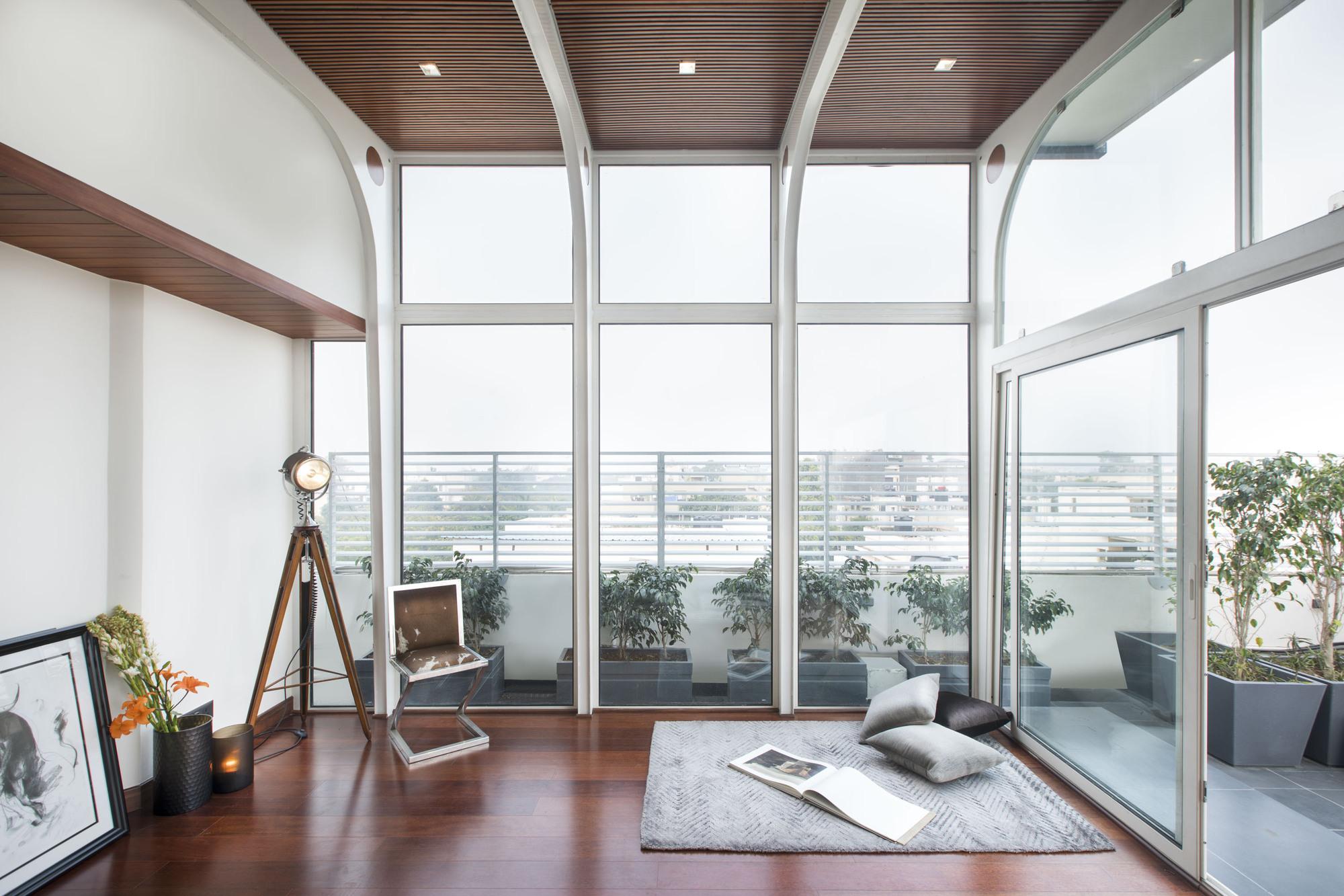 Terrace Folly 2 / Harsh Vardhan Jain Architects