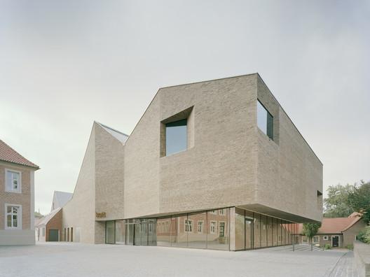 Kult / Pool Leber Architekten + Bleckmann Krys Architekten
