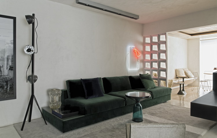 Apartamento PB / Diego Revollo Arquitetura, © Alain Brugier