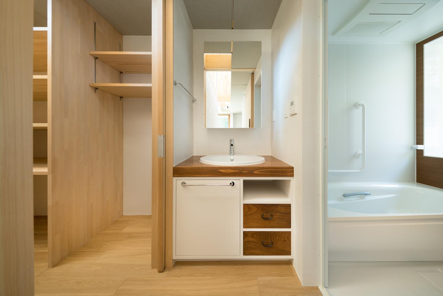 Gallery of Dutch Gable Roof House / Hiroki Tominaga-Atelier - 15