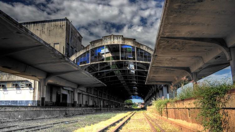 Estações ferroviárias de São Paulo viram ruína e União pode ser obrigada a recuperar os imóveis, Estação Ferroviária de Bauru. Foto: Rafael Kage/Flickr. Image via HAUS