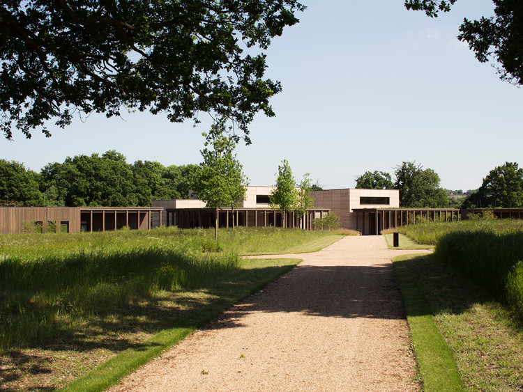 Cementerio de Bushey / Waugh Thistleton Architects, © Lewis Kahn