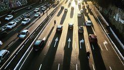 Algumas cidades estão taxando aplicativos de transporte. Isso é bom?