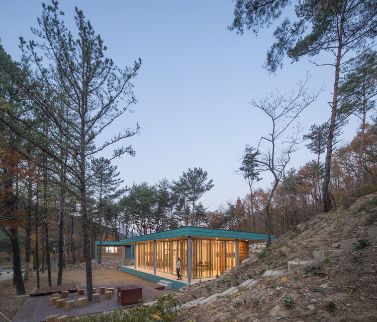 Centro de Visitantes do Bosque Busan / Architects Group RAUM, © Yoon Joonhwan