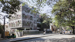 Navyas / Cadence Architects