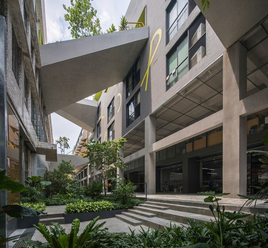 Tianhe Youth Commune / O-office Architects