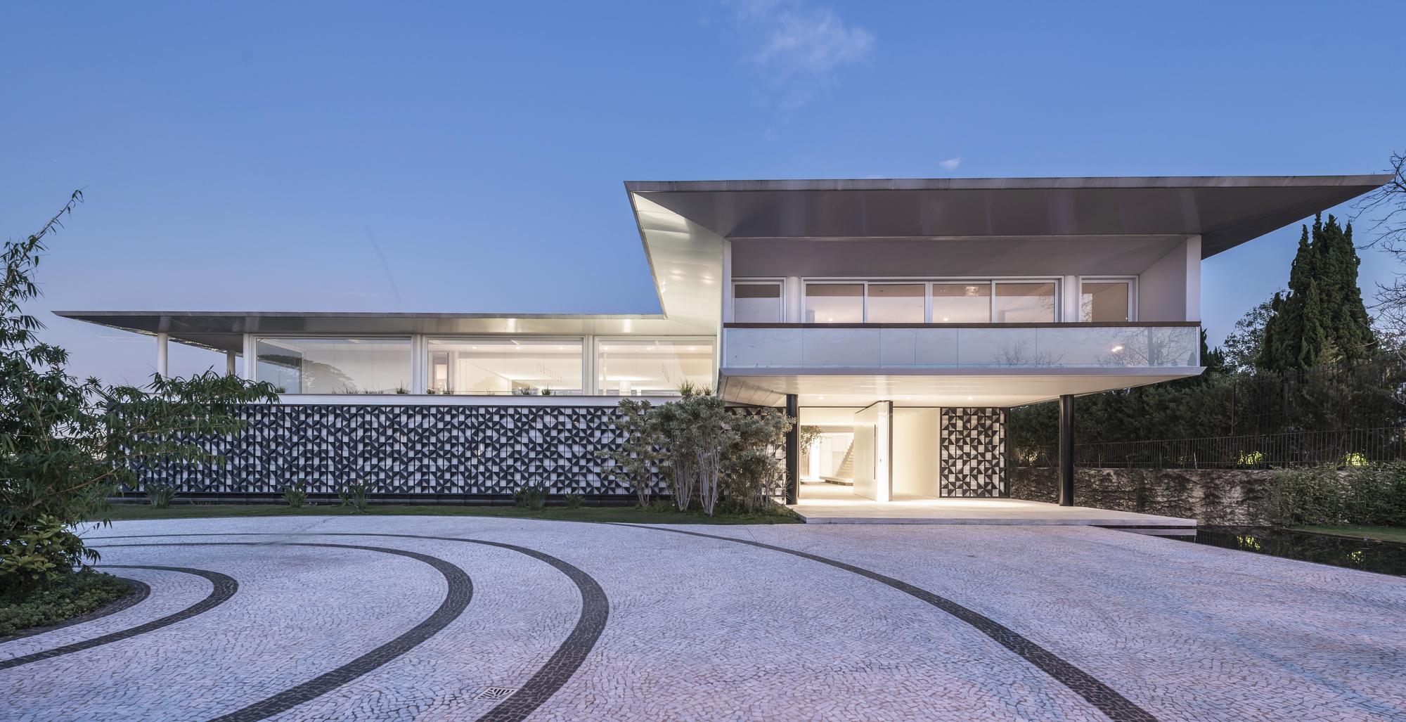 HCO Morumbi House / Gálvez U0026 Márton Arquitetura
