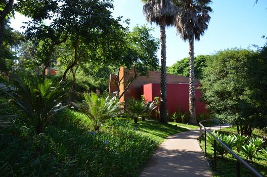Unique Garden Hotel &Spa (SP - Arquitetura Ruy Othake). Image Cortesia de Burle Marx Paisagismo
