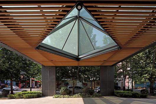 entrance. Image © Guangyuan Zhang