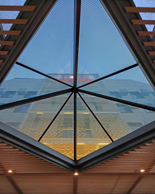 glass pyramid. Image © Guangyuan Zhang