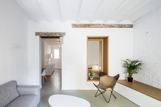 TS01 Interior Refurbishment  / Alventosa Morell Arquitectes