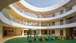 Between Square and Circle: Xinnan Kindergarten / Jin Niu