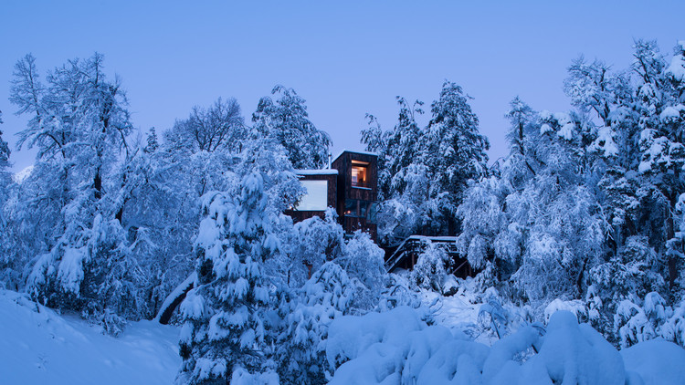 La Dacha Mountain Hut / DRAA, © Felipe Camus