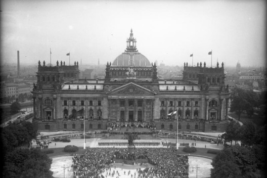 Berlin Reichstag - Before. Image © Bundesarchiv, Bild 102-13744, licensed under CC BY-SA 3.0 via Commons