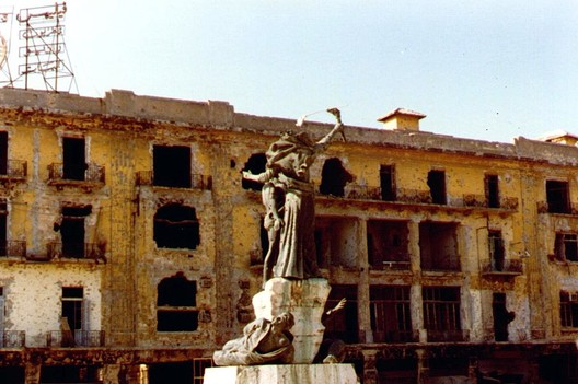 Beirut Martyr Square. Image Courtesy of Wikimedia User FunkMonk Under CC BY 2.0