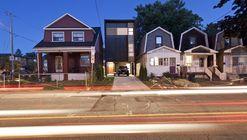 Shaft House / Urbanscape Architects