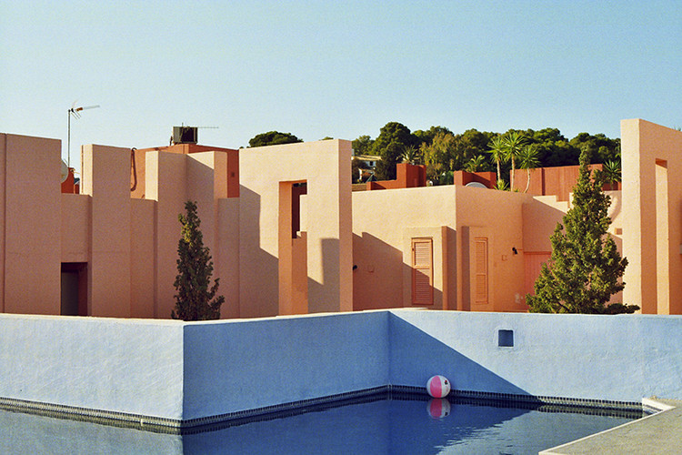 The Invasion of La Muralla Roja, Captured by Anthony Saroufim, © Anthony Saroufim