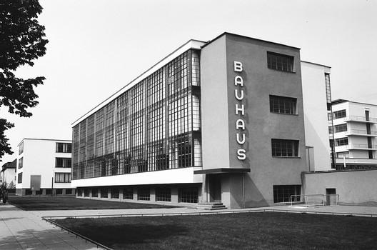 Bauhaus Dessau © Nate Robert via Flickr  License Under CC BY-SA 2.0. Image