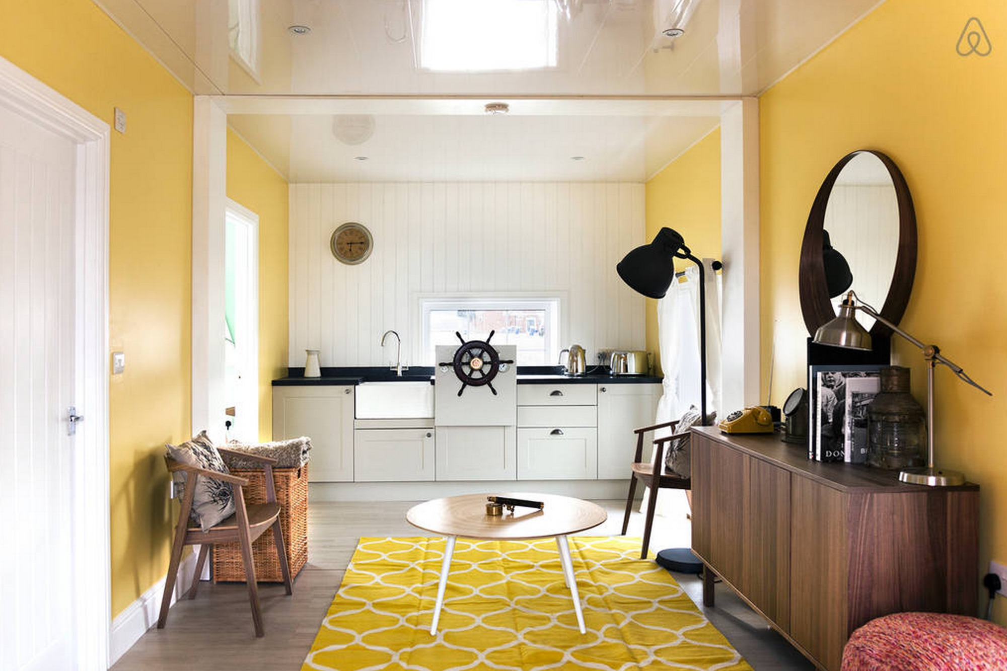 25 design tips to make your airbnb listing stand out | archdaily