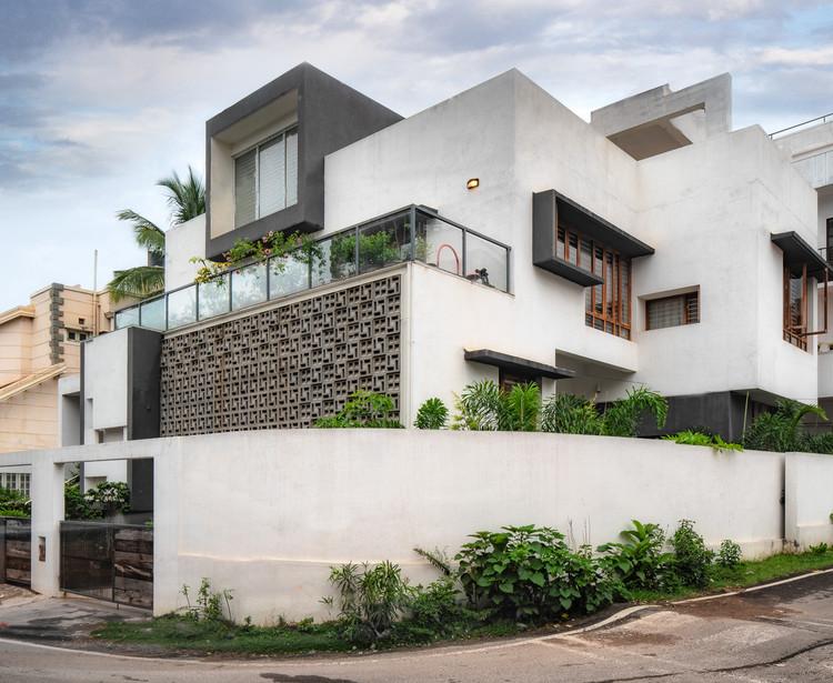 Mahadev Residence / INK Architecture, © Pratap J.