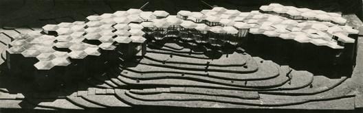 Pabellón de España en la Expo Universal Bruselas 58. Corrales y Molezún. Image Cortesía de Archivo familiar José Antonio Corrales