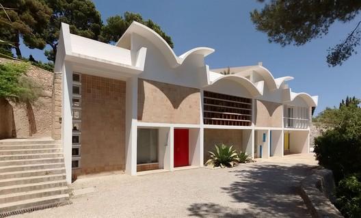 Fundación Pilar i Joan Miró. Estudio Sert. Image vía Wikimedia Commons