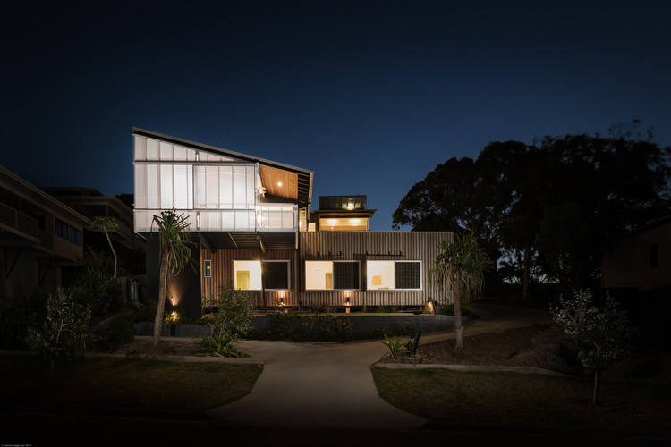Stradbroke Dual Occupancy / Graham Anderson Architects, © Andrew Manson