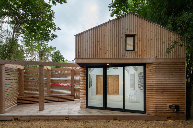 Micro-barn / Edgar Papazian architect, © Attic Fire
