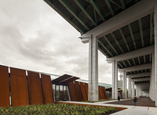Fort York National Historic Site Visitor Centre / Patkau Architects + Kearns Mancini Architects