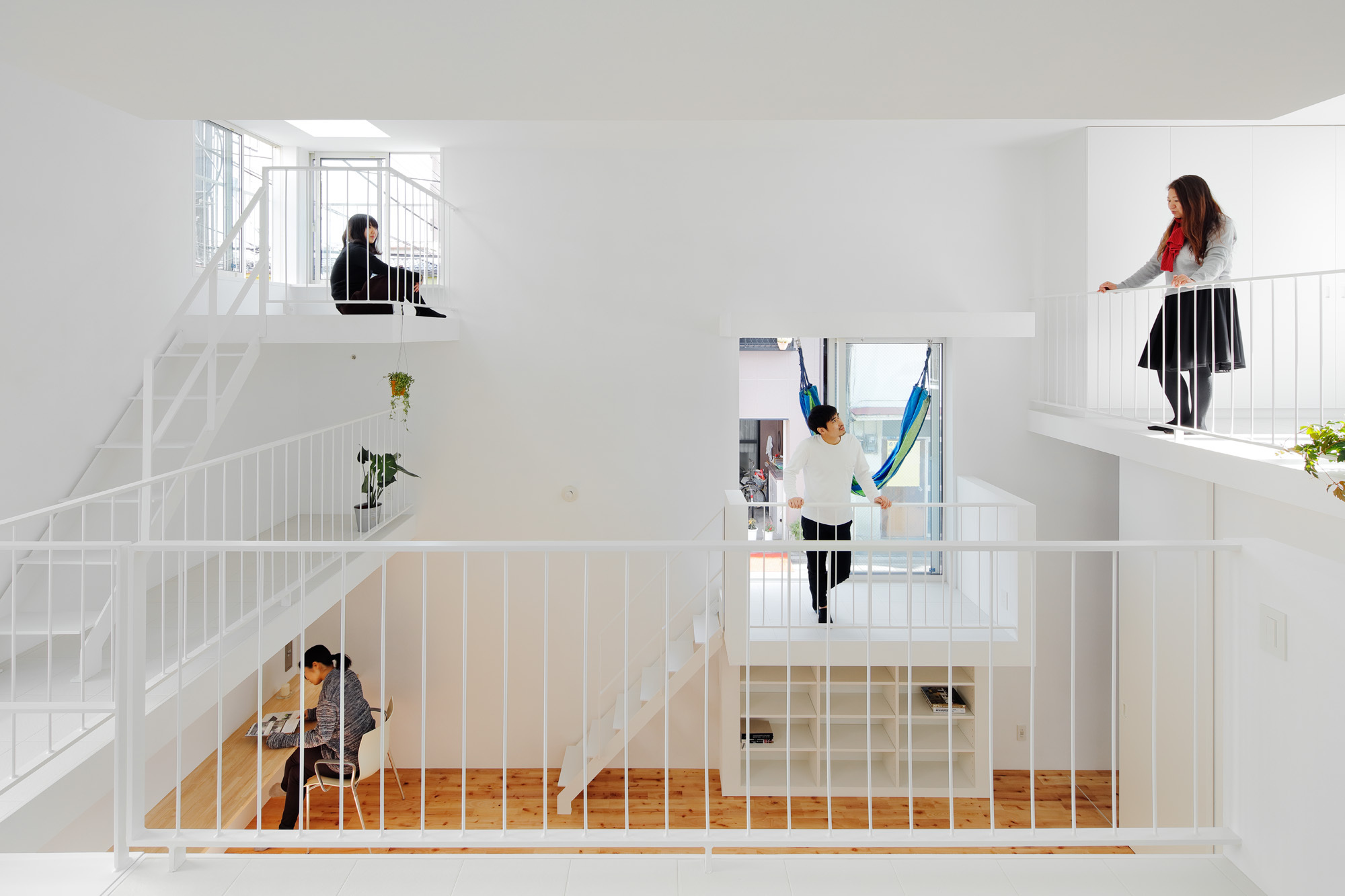 Balcony House / Takeshi Hosaka Architects