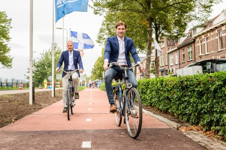 The Netherlands Unveils the World's First Recycled Plastic Bike Lane, Cortesia de CicloVivo