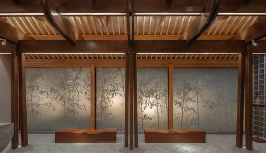 Shadow wall. Image © Xuguo Tang
