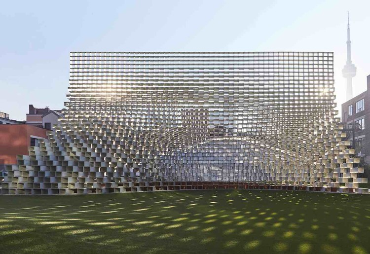 "BIG's Relocated Serpentine Pavilion Opens as ""Unzipped"" in Toronto, © Derek Shapton"