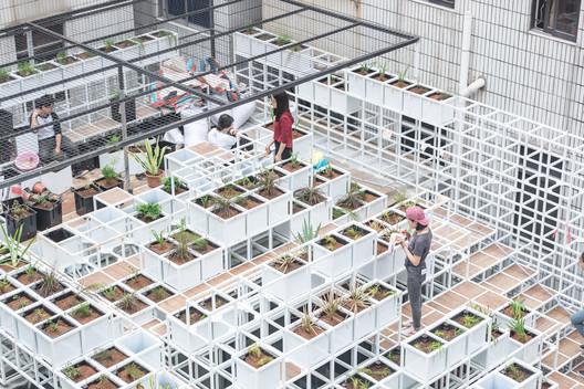 Vegetation Planting. Image © Yang Xu