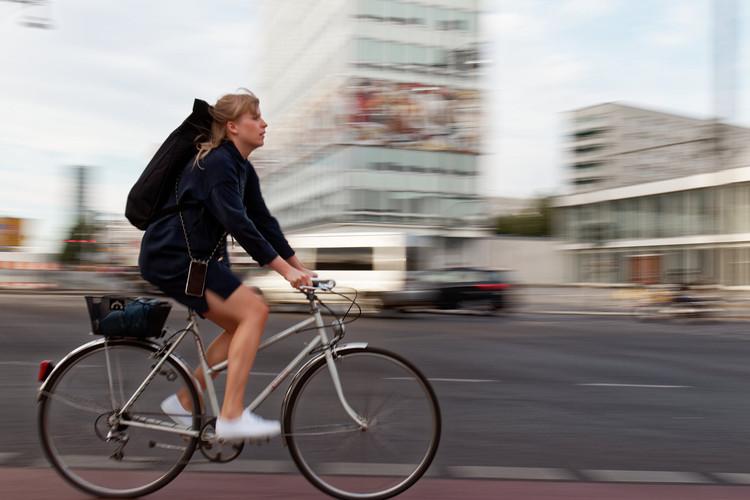 Dia Mundial sem Carro: uma coletânea de iniciativas em prol do pedestre e ciclistas, <a href='https://www.flickr.com/photos/sigalrm/41585438944/in/photolist-26mLfbC-jNmUgt-WhQd5j-eipRDc-asUKNQ-25xekaq-KYHnfB-e4Yj1e-bvYKGH-33WsZH-8sRCTU-22w2YM4-duQ3yh-79J1tY-ncfazg-qWjGRx-7jg9eK-4kiZse-fSGbUM-fb96dN-Ypycq5-oZyTt3-8ga7Jm-DNaqsH-CqqQyv-mYfehc-navfuz-5uzeSd-hxxEM6-gPpsZu-pR2WhB-7Ykdit-2tNxP-bD7f5P-7jdkhM-qAgcwx-iy4YBZ-anC1H-mcestH-6hMTHK-pRAJ5X-nR5yJ1-jWAYqn-hoJmyh-jdfu7R-4CUMho-auC6Eg-ibAeDy-5CiuDi-ohfnRm'>© via Flickr Pascal Volk</a> Licença CC BY-SA 2.0