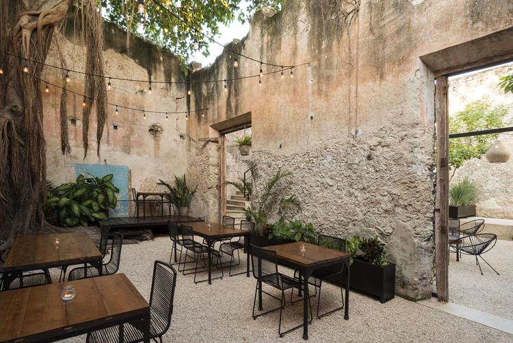 Bares y Restaurantes: 50 ejemplos en planta y sección, © Pim Schalkwijk