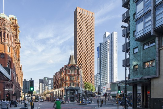 Glenn Howells Unveils 55-story Red Brick Tower in Manchester