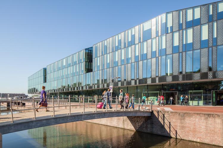 Prefeitura e Estação de Trem de Delft / Mecanoo, Cortesia de Mecanoo
