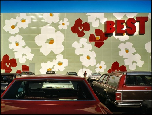 Best Products Showroom, Langhorne, Pennsylvania (1978). Image © Tom Bernard