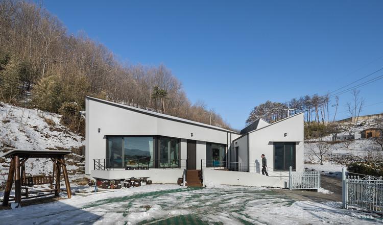 Gwaneum-Ri House / Architecture Studio YEIN, © Joonhwan Yoon