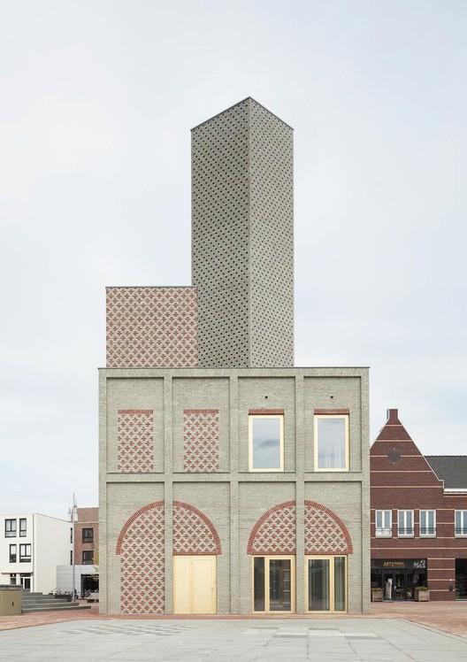 Landmark Nieuw Bergen / Monadnock . Image © Stijn Bollaert