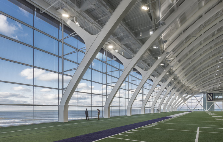 Northwestern University Ryan - Walter Athletics Center / Perkins+Will, © James Steinkamp Photography