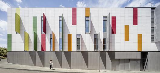 Mollet del Valles Police Station / taller 9s arquitectes