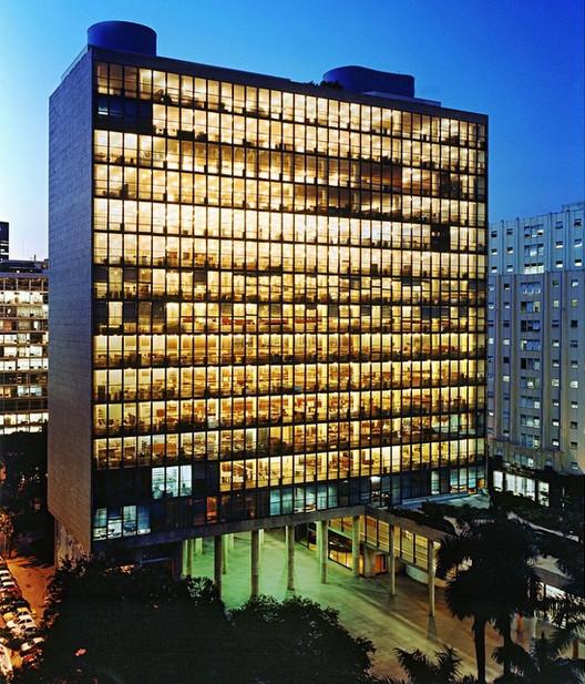 Palácio Gustavo Capanema será um dos palcos do 27º Congresso Mundial de Arquitetos - UIA 2020 Rio, Palácio Gustavo Capanema. Imagem: oscarniemeyerworks. <a href='https://www.instagram.com/p/3HrjNIyJUT/'>Via Instagram</a>