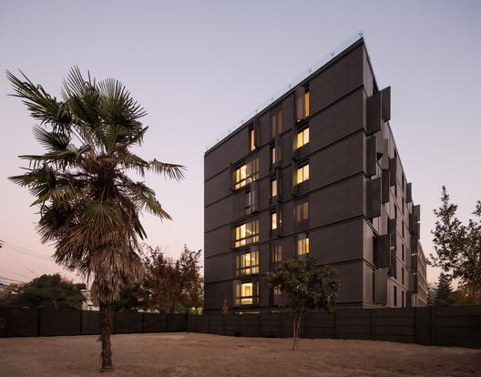 Edificio Único / Turner Arquitectos